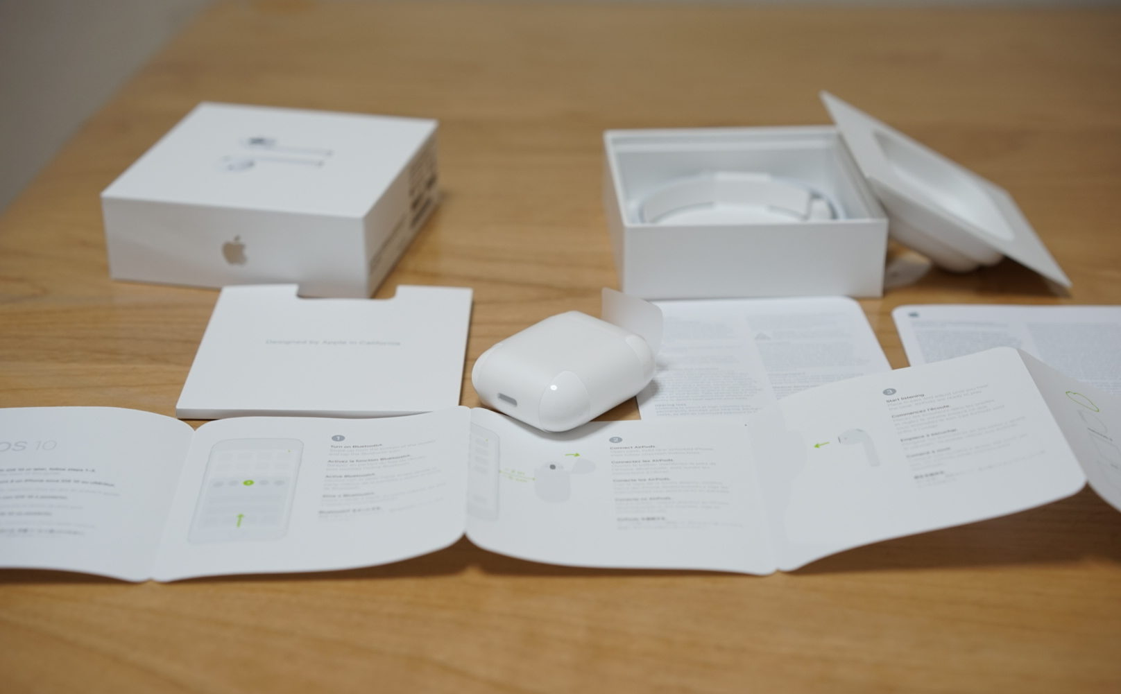 Stuffs inside the box Airpods