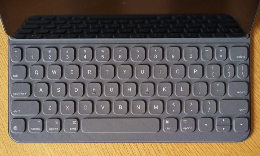 USキーボード配列 smart keyboard folio