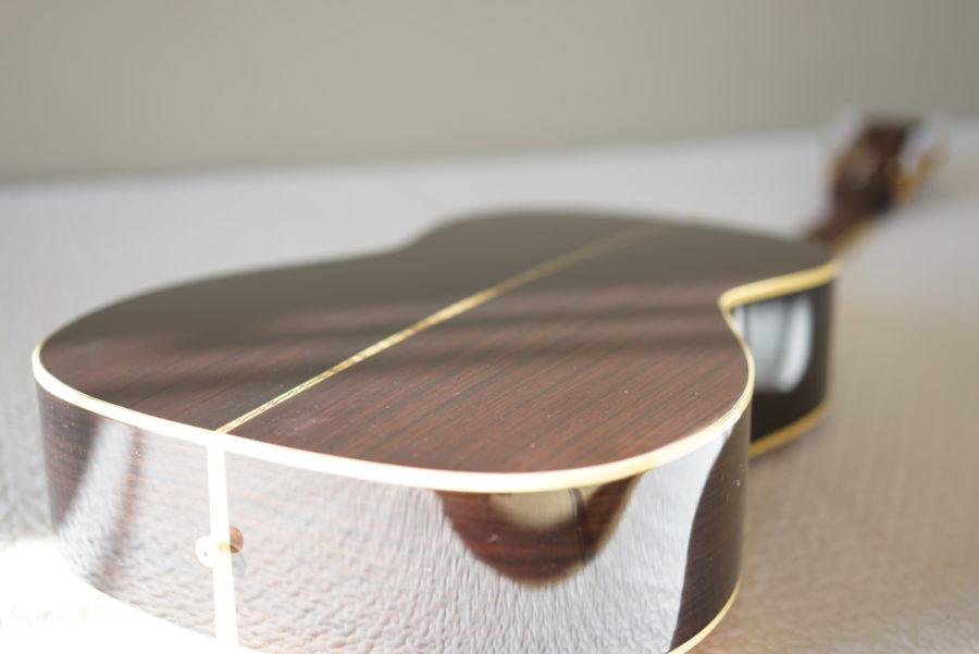 タカミネギター裏