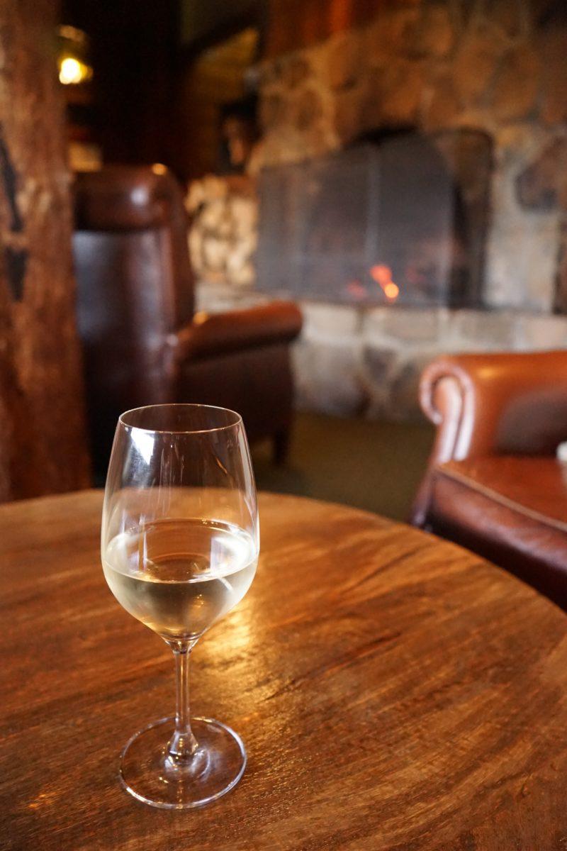 ワイン 談話室 クレイドルマウンテンロッジ