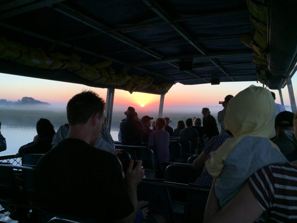 日の出前 イエローウォータークルーズ