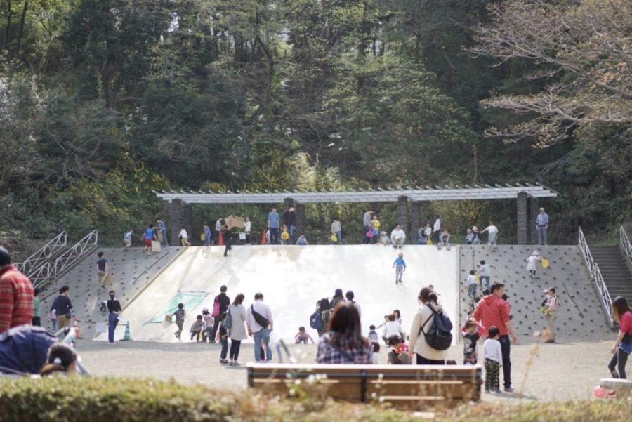 ジャンボ滑り台 三ツ池公園