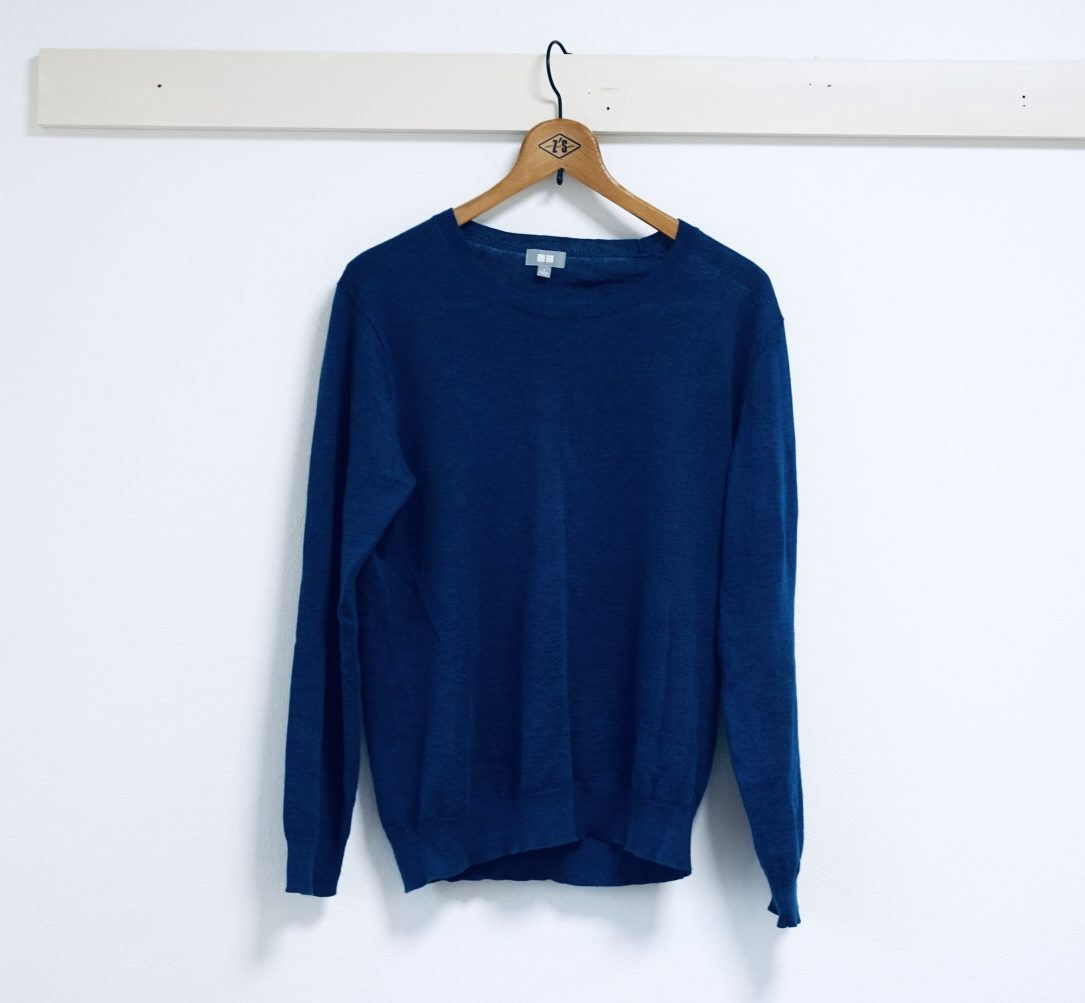 ブルーセーター