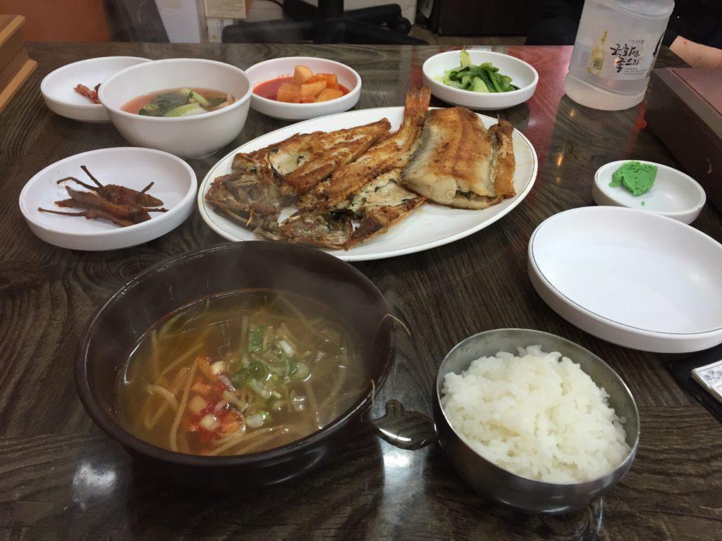 韓国 ジャガルチ市場 昼食