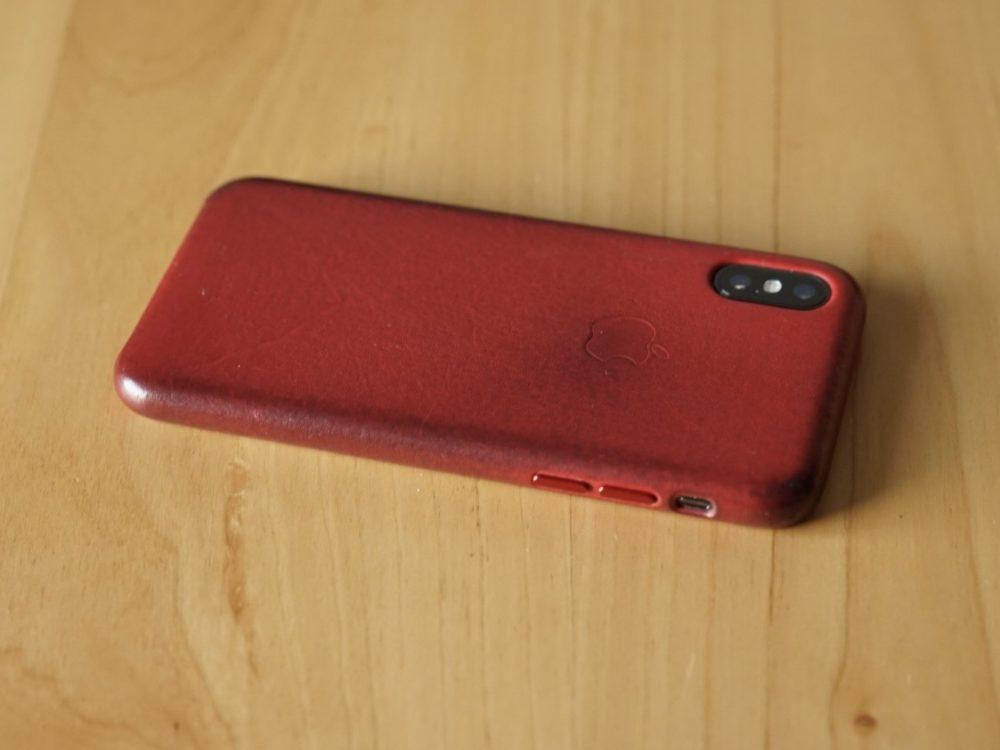 IPhone X 純正革のケース 横の汚れ具合