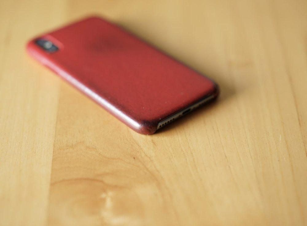 iIPhone X 純正 レザーケース2年目 赤