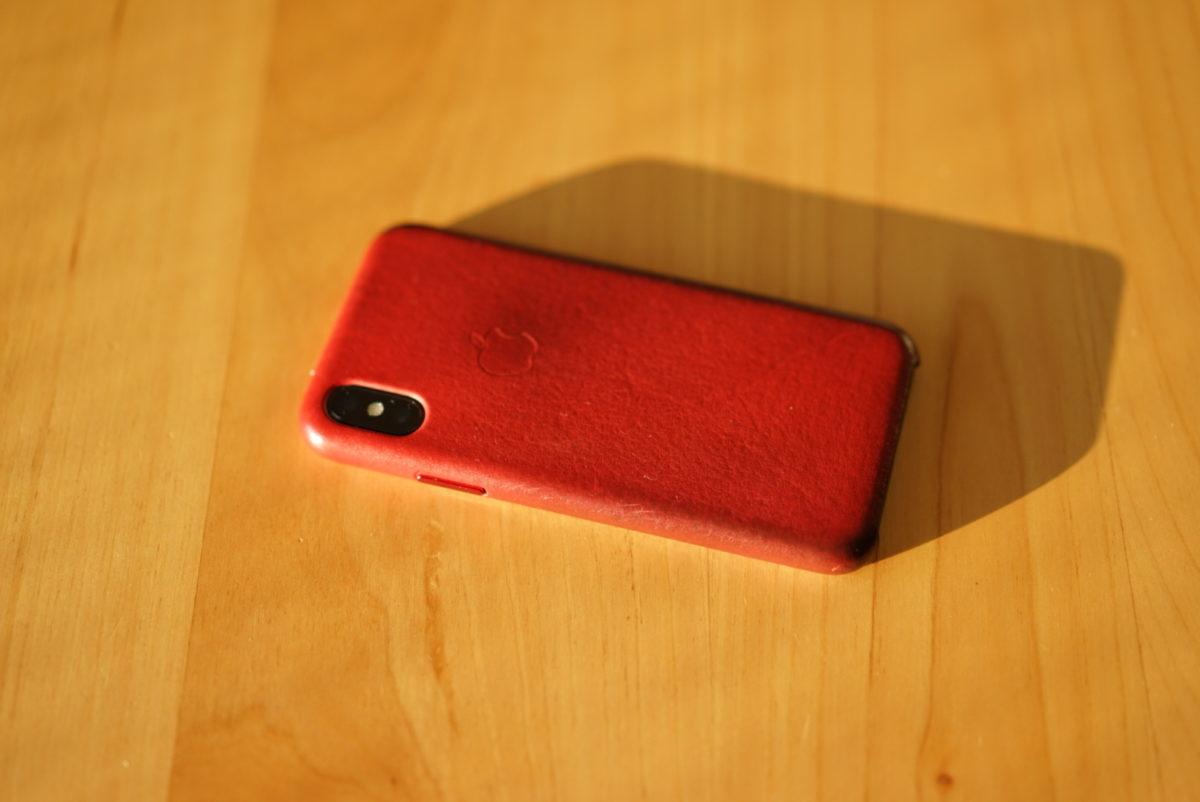 IPhone X 純正レザーケースと光と汚れ