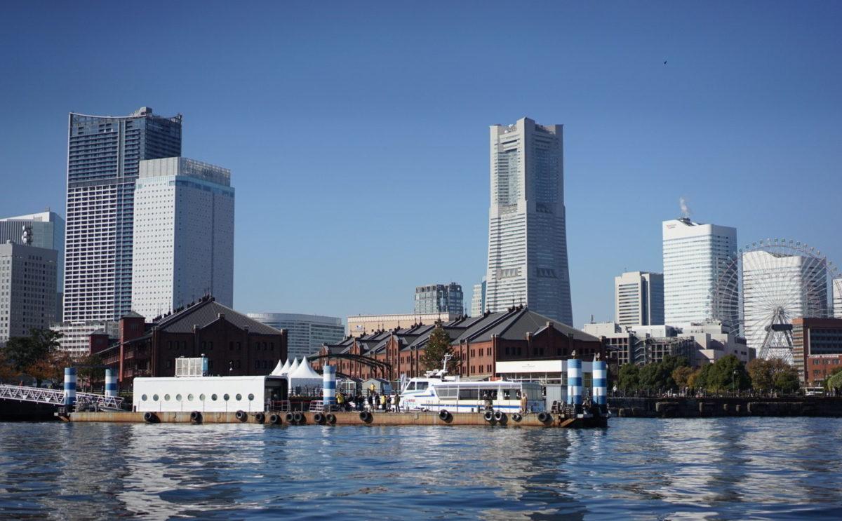 横浜 シーバスからの眺め みなとみらい