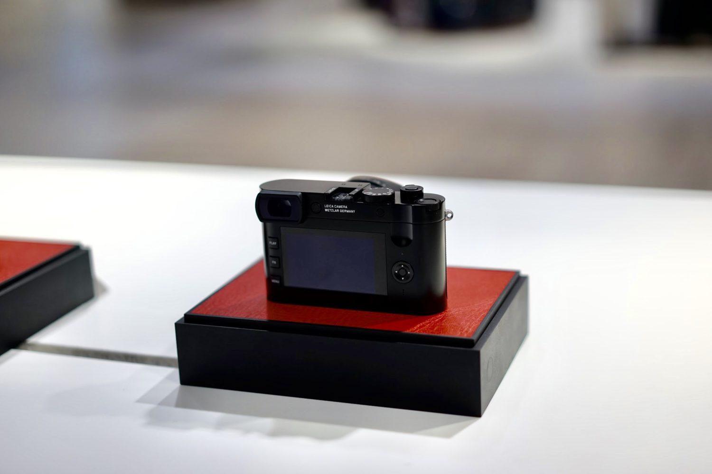 LEICA ライカ カメラ Q2 モニタとボタン