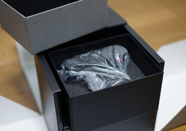 Leica Q2本体 開封