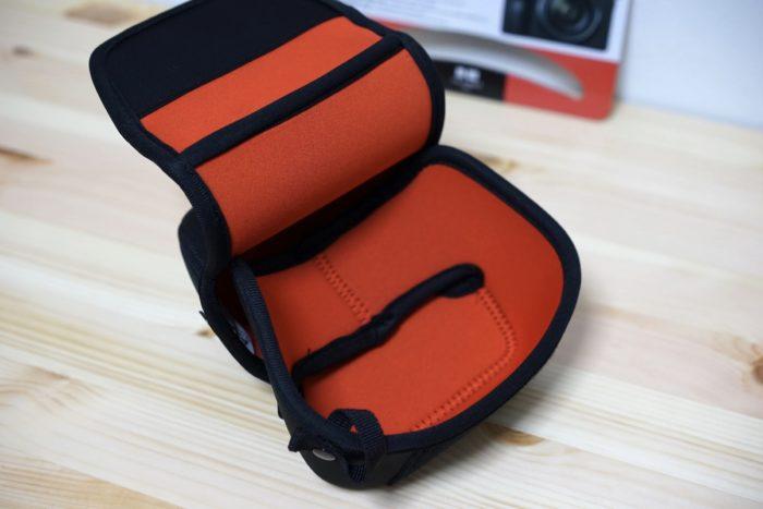 Leica q2用に買った保護ケース