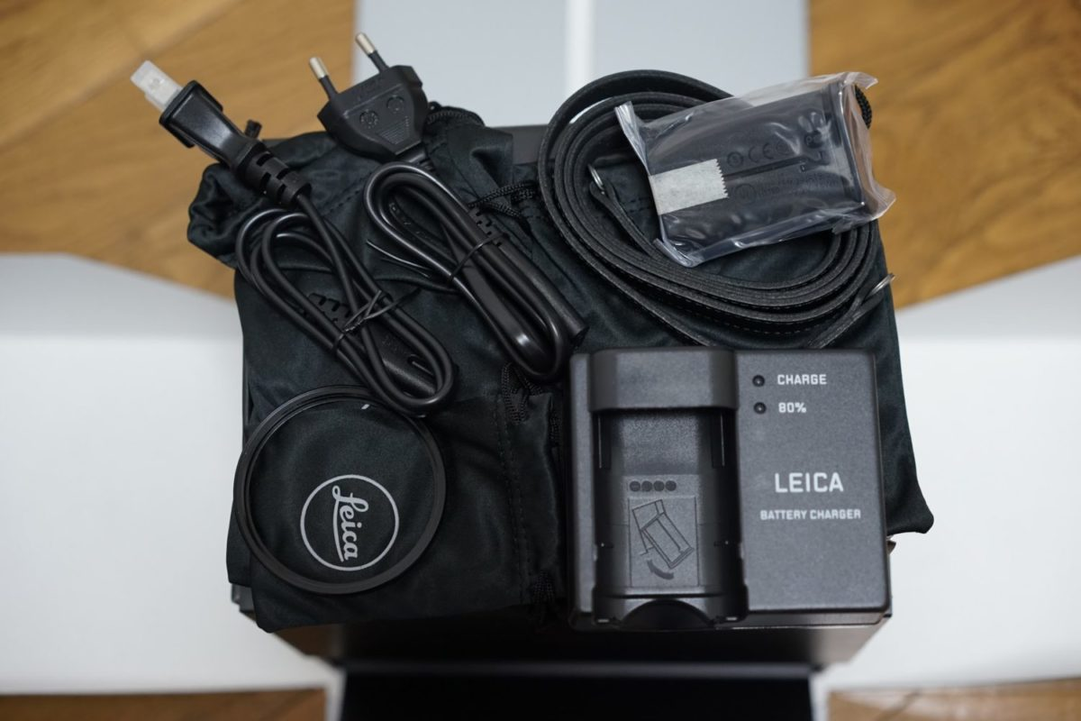 Leica Q2 同梱物