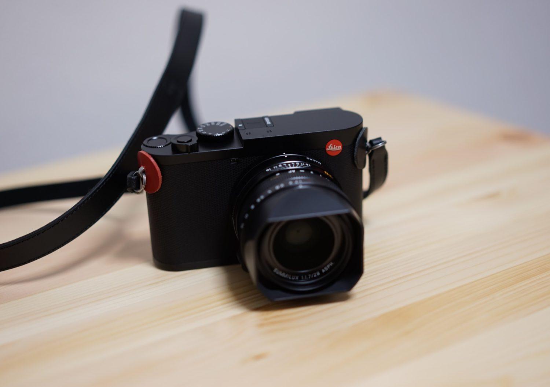 Leica q2 赤色の革当て