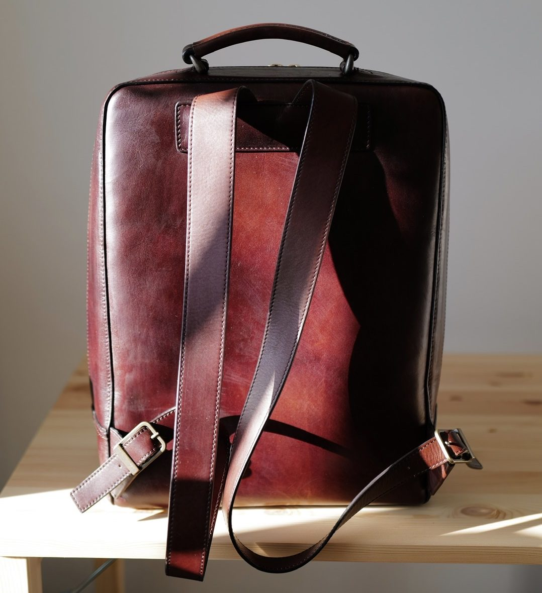 Antique Square Backpack クリーム塗った後 1年