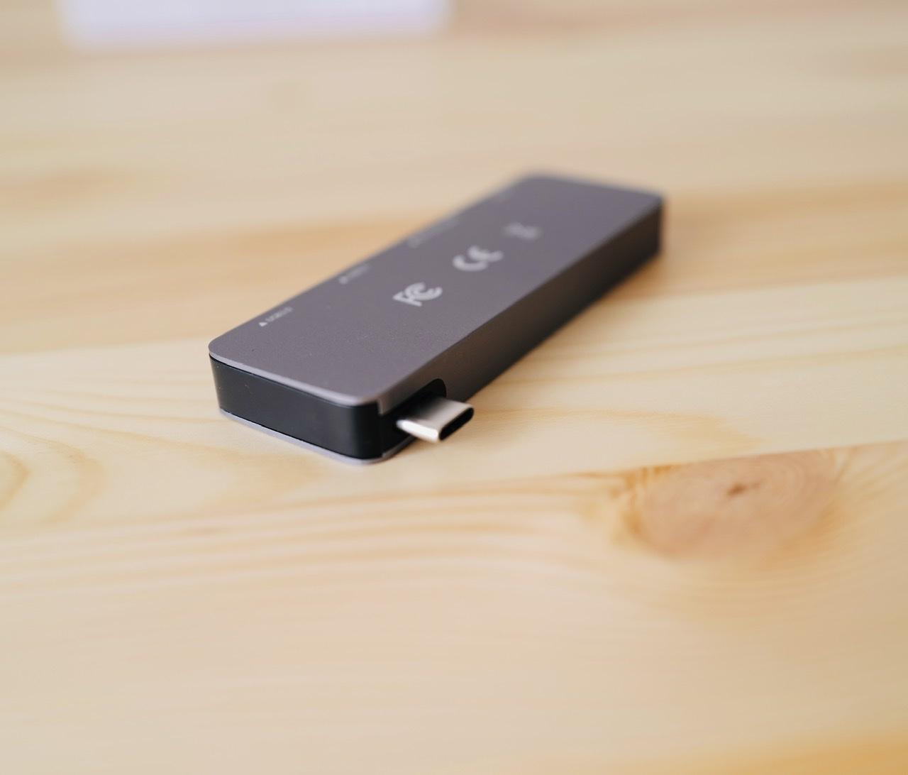 Elecjoy USB C ハブ 端子側