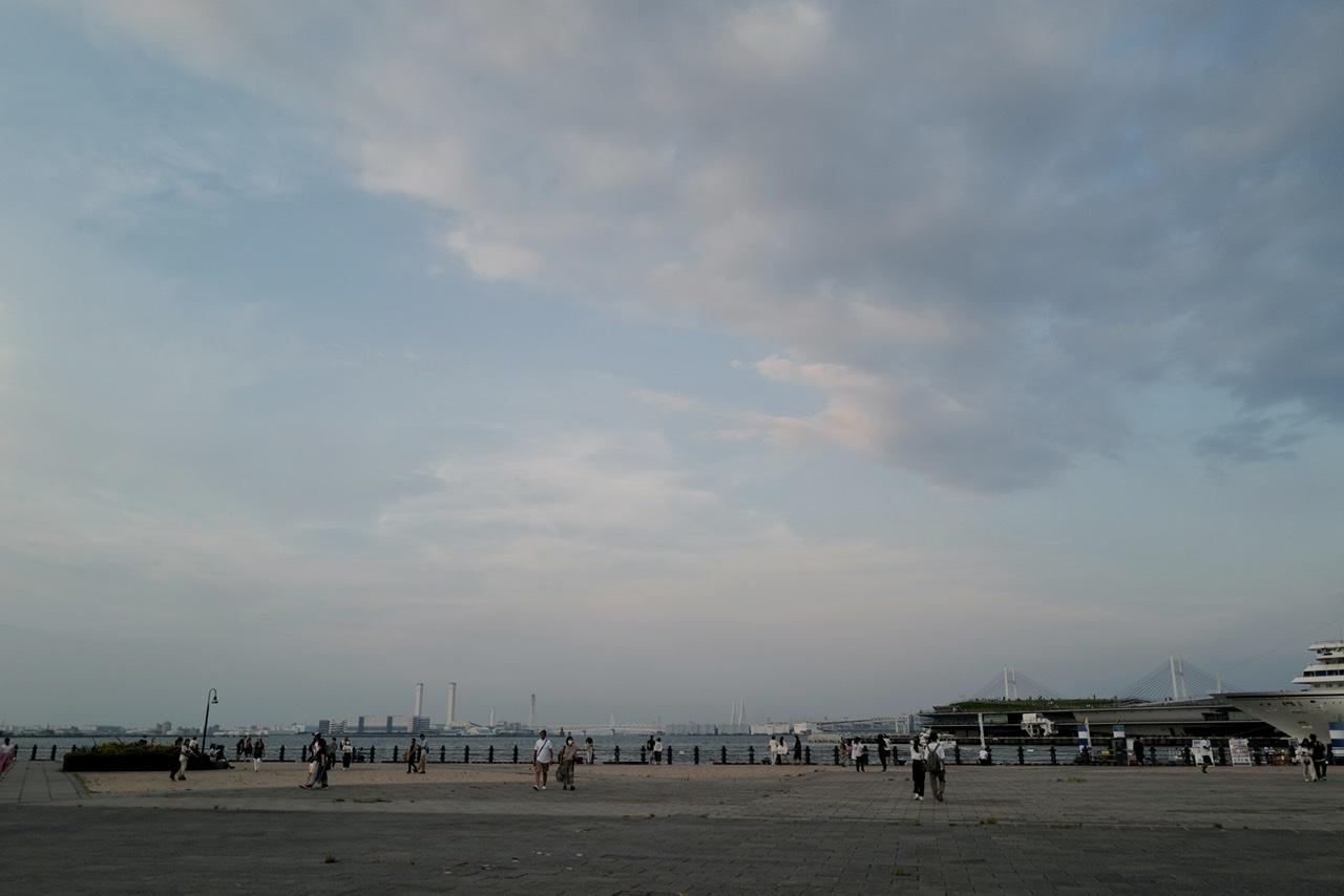 横浜 空 Leica Q2