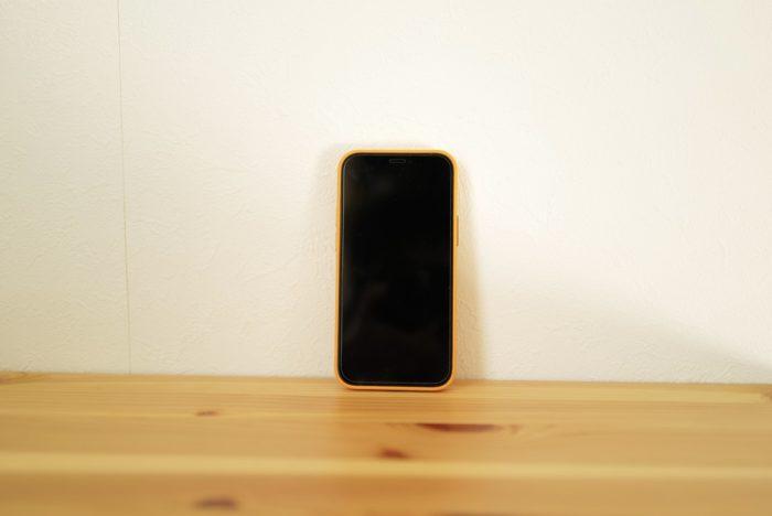 iPhone 12 miniとケース