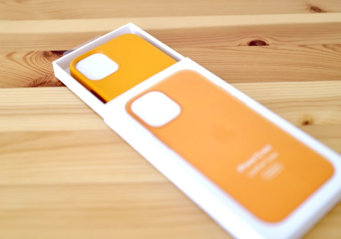iphone 12 mini 純正レザーケース