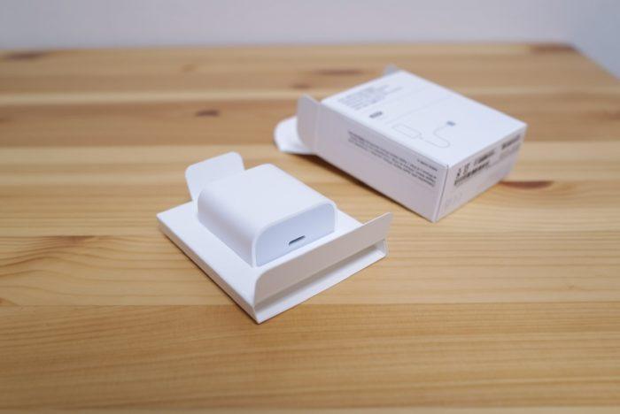 iPhone 12 mini 電源アダプター