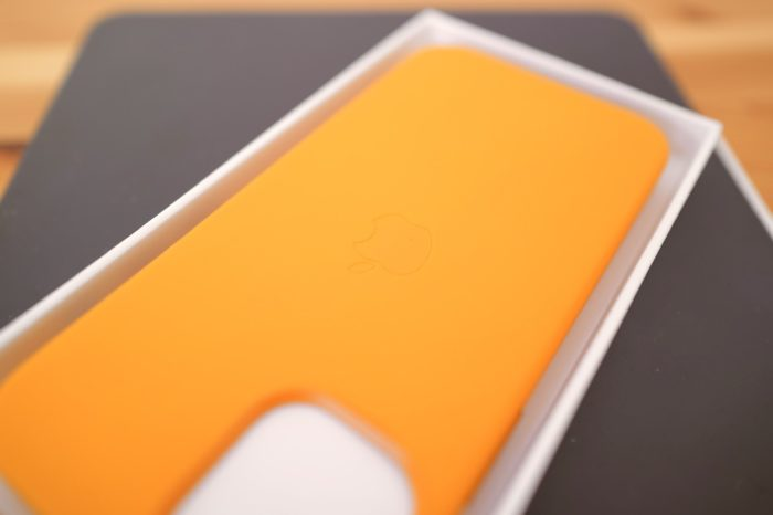 iphone 12 mini 純正レザーケース Appleマーク