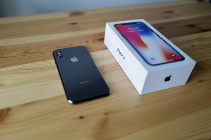 iPhone X 箱と本体
