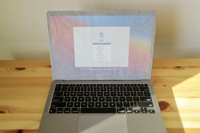 M1 MacBook Air 開けてすぐ