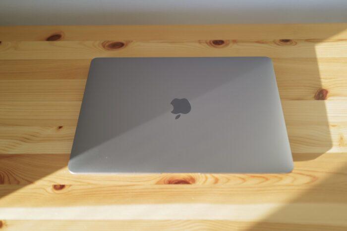M1 MacBook Air トップ