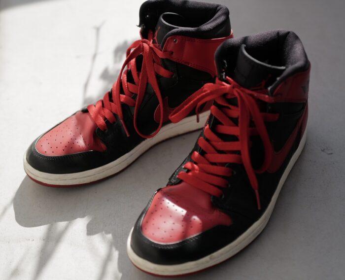 Air Jordan 1 黒赤