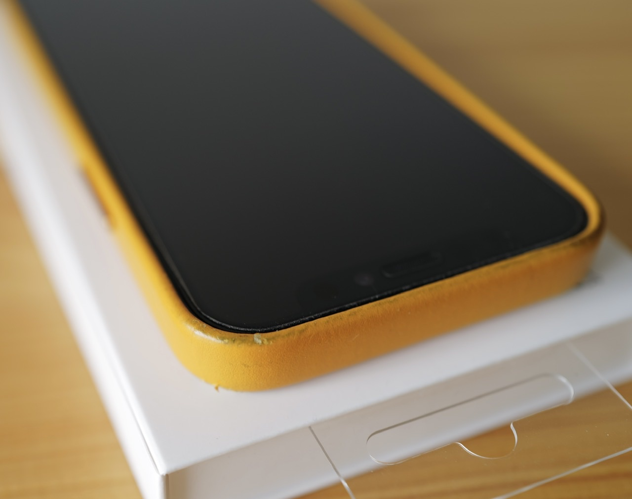 フロント側 iPhone 12 mini カリフォルニア