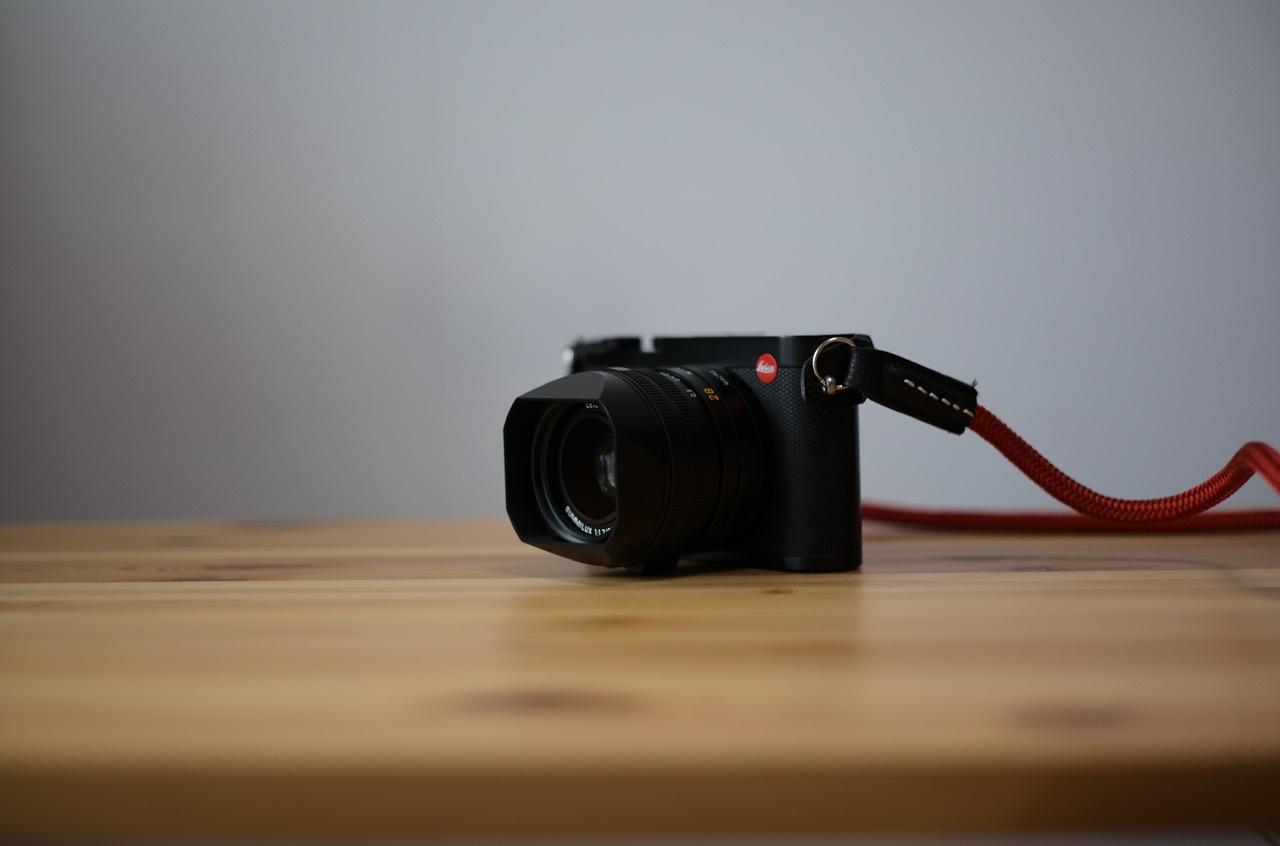Leica Q2をM10-Rで撮影