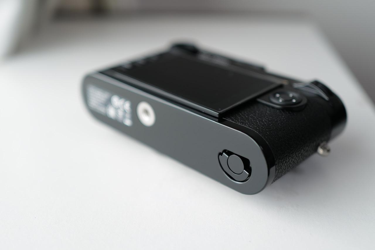 Leica M10-R black paint Cleared bottom